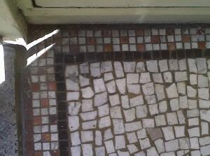 Castro Entryway Corner