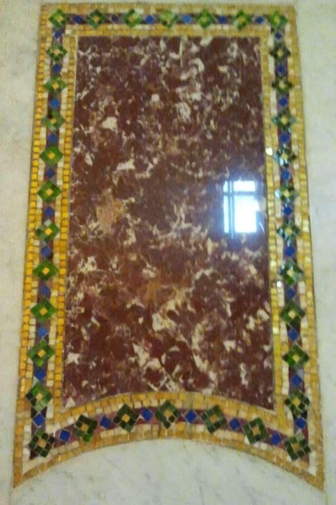 Venetian Glass corner full