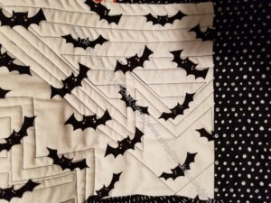Bat tablerunner - back quilting