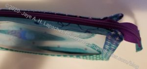Boxy Clear Pouch - zipper end detail
